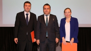 Bir Okul Değişir, Antalya Değişir'