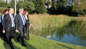 Vali Karaloğlu, AÜ Botanik Bahçesi'ni gezdi